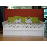 White Pine Daybed wit hTrundle perfect for the girl's bedroom